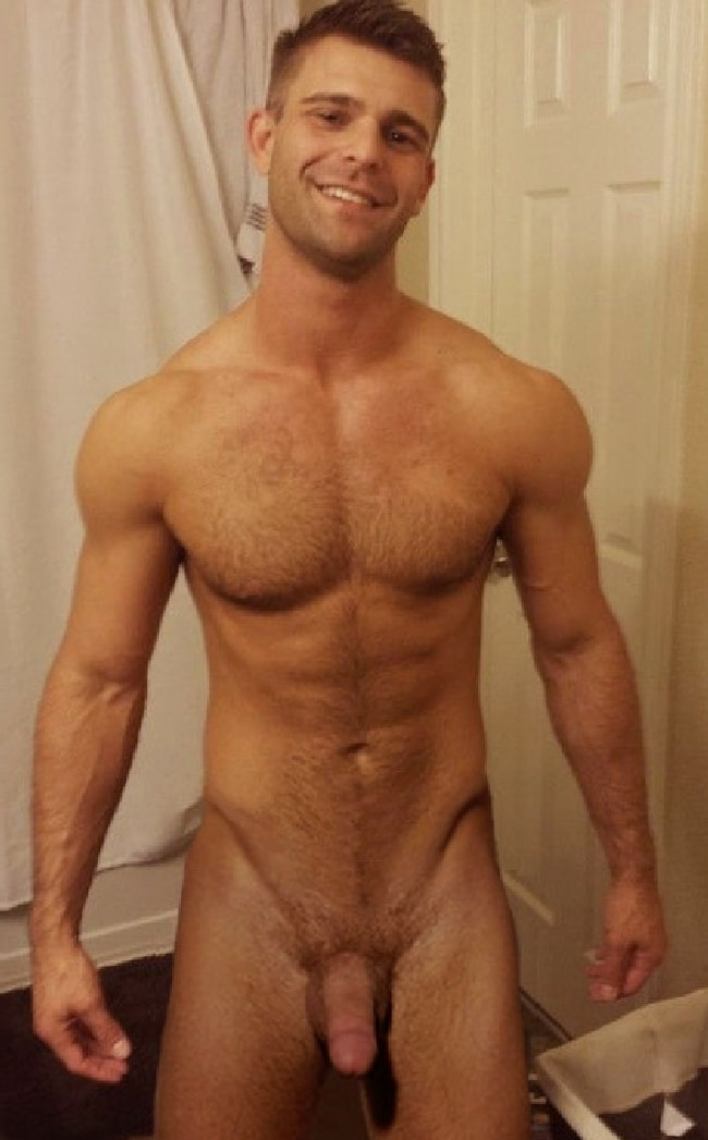 Very Hot Nude Hairy Stud With Erection - Gay Cam Chatters