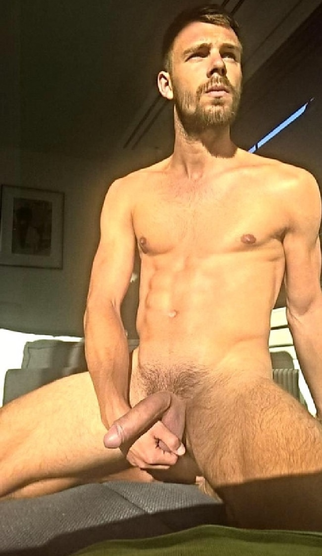 Guy Nude Big Dick